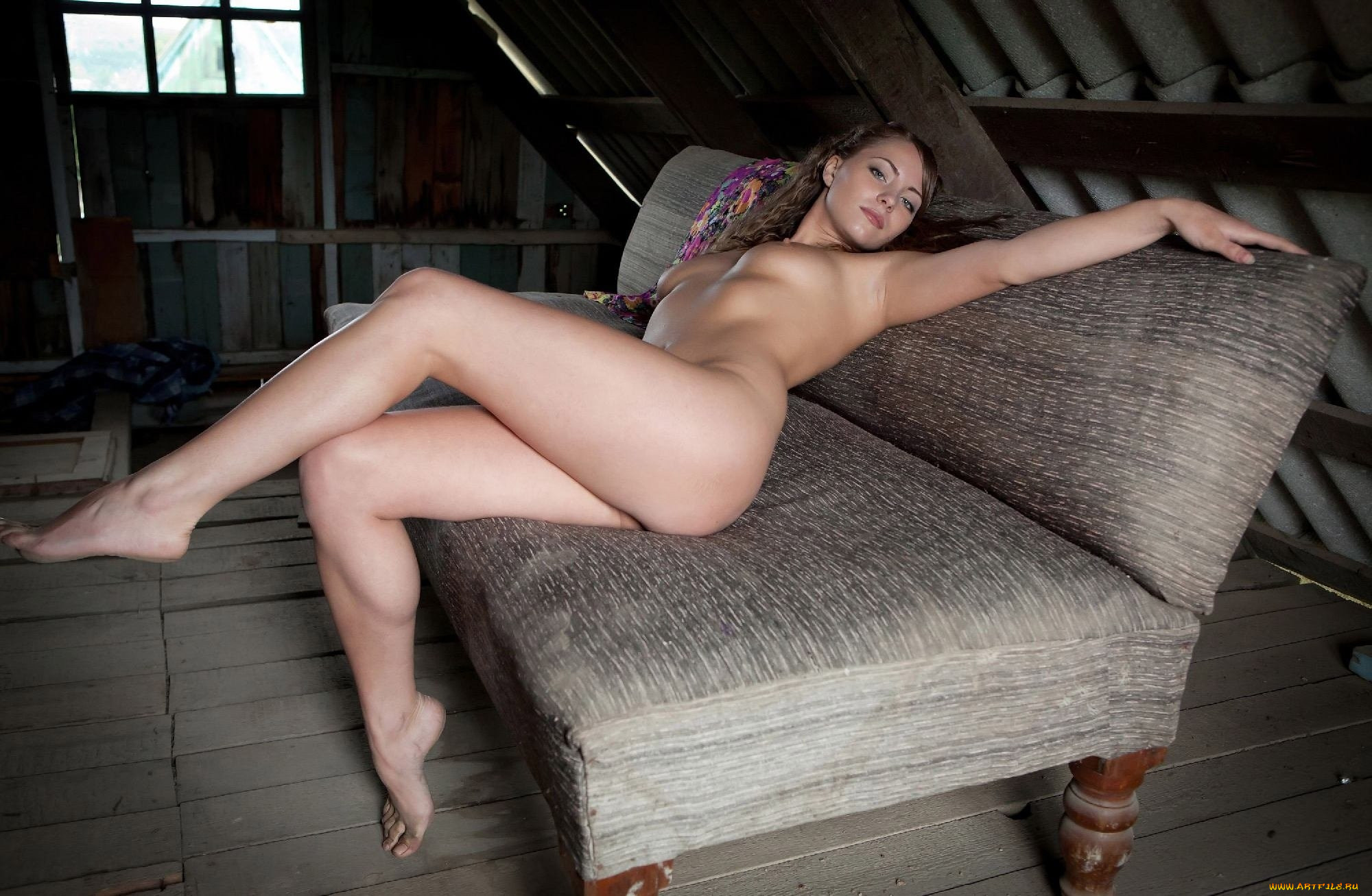 tami-in-sex-pictures-girl-fat-thighs